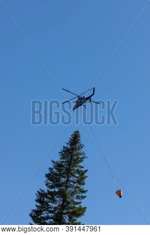 Prospect,  Oregon / Usa - September 9, 2014:  The Special Built K-max Helicopter With Intermeshing R