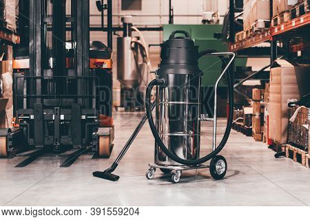 Cleaning Machine Professional. Industrial Vacuum Cleaners On A Factory
