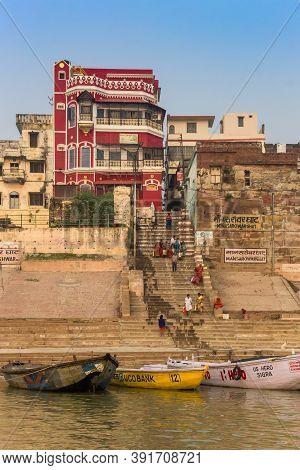 Varanasi, India - November 07, 2019: Boats At The Stairs Of The Manasarovar Ghat In Varanasi, India