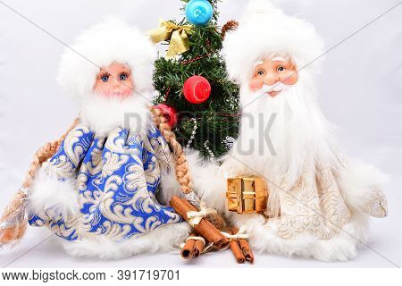 Christmas Decorations, Composition, Santa Claus, Snow Maiden, Christmas Tree, On A White Background