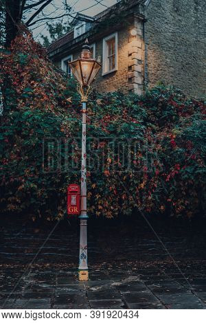 Frome, Uk - October 04, 2020: Gr Red Post Box In Frome, A Market Town In The County Of Somerset, Uk.