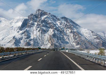 Road Of Friendship In Tibet