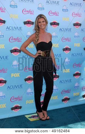 LOS ANGELES - AUG 11:  Erin Andrews at the 2013 Teen Choice Awards at the Gibson Ampitheater Universal on August 11, 2013 in Los Angeles, CA