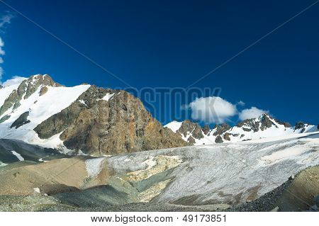 Kyrgyz Mountains, The big Ala-Archa Glacier