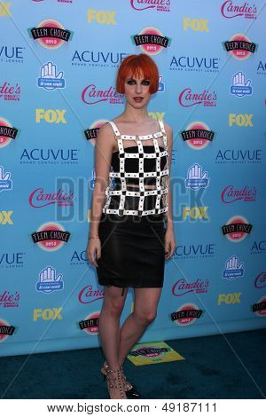 LOS ANGELES - AUG 11:  Hayley Williams at the 2013 Teen Choice Awards at the Gibson Ampitheater Universal on August 11, 2013 in Los Angeles, CA