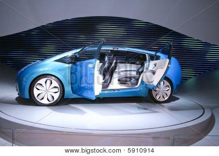 Blue Concept-car Toyota Hybrid X