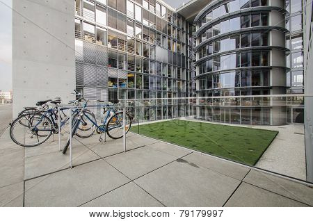 Paul Loebe Haus  Parliamentary Office Building In Berlin With Bicycle