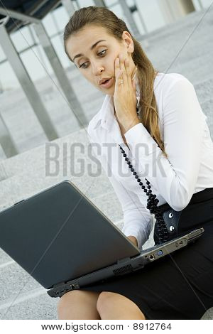 Business-Frau mit laptop