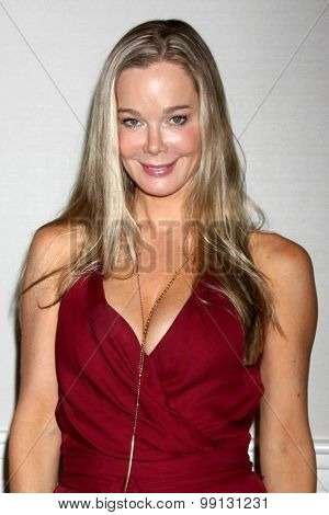 LOS ANGELES - AUG 16:  Jennifer Gareis at the Bold and Beautiful Fan Event Sunday at the Universal Sheraton Hotel on August 16, 2015 in Universal City, CA