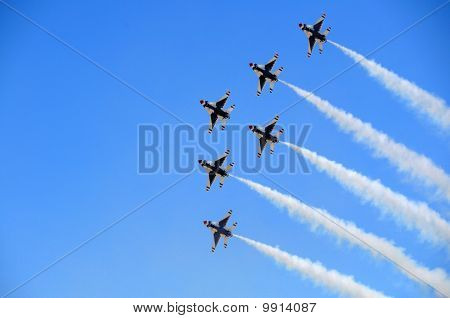 USAF Thunderbirds in Formation
