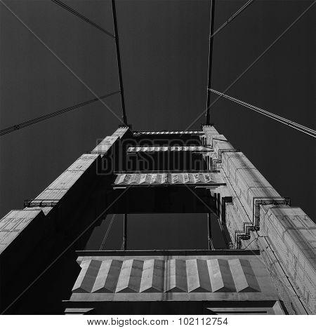 Golden Gate Bridge b/w