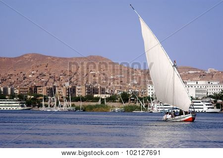 Cruise On Egyptian Felucca
