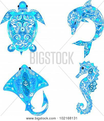 Sea animals, sea deep-water turtle, dolphin with a pattern on a body, a scat with drawing, the sea h