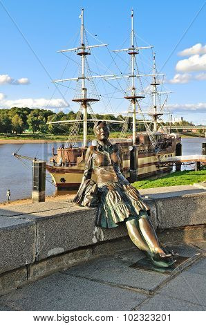 Sculpture Of Tired Tourist Girl -focus At The Girl- In Veliky Novgorod, Russia