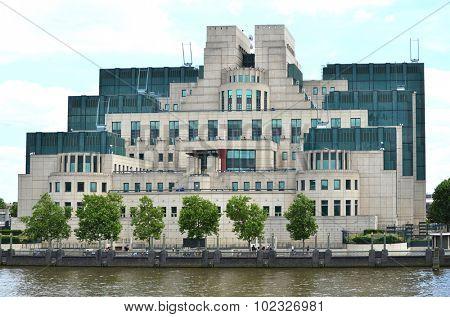 London, Secret Intelligence Service Building (SIS)