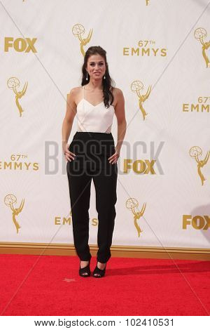 LOS ANGELES - SEP 20:  Kelsey Reinhardt at the Primetime Emmy Awards Arrivals at the Microsoft Theater on September 20, 2015 in Los Angeles, CA