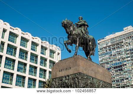 Artigas Statue