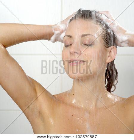 woman washing head