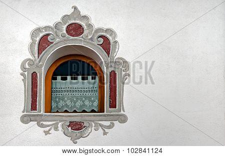Sudtirol decorated window