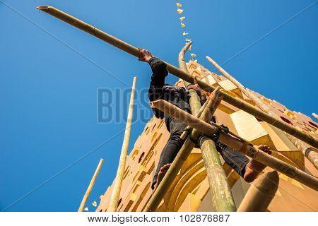 The Man Repair The Pagoda