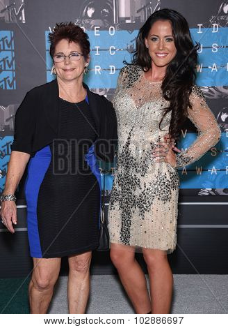 LOS ANGELES - AUG 30:  Jenelle Evans & Barbara Evans 2015 MTV Video Music Awards - Arrivals  on August 30, 2015 in Hollywood, CA