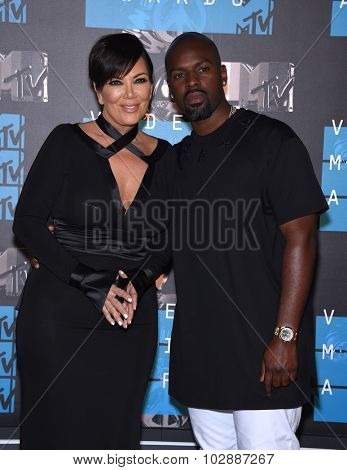 LOS ANGELES - AUG 30:  Kris Jenner & Corey Gamble 2015 MTV Video Music Awards - Arrivals  on August 30, 2015 in Hollywood, CA