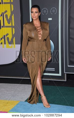 LOS ANGELES - AUG 30:  Kim Kardashian 2015 MTV Video Music Awards - Arrivals  on August 30, 2015 in Hollywood, CA