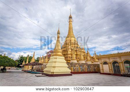 Shwezigon pagoda, Monywa