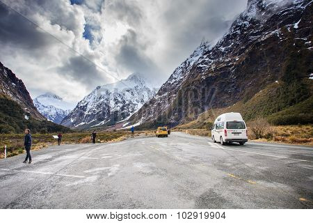 Milford Sound New Zealand-august 30 : Visitor Rest A Drive At Monkey Creek View Point At The Road To