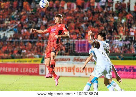 Sisaket Thailand-september 20: Mohsen Bayatinia Of Sisaket Fc. (orange) Head The Ball During Thai Pr