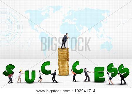 Man Arrange A Success Text With His Team