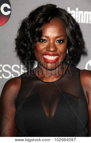 Chandra WilsonLOS ANGELES - SEP 26:  Viola Davis at the TGIT 2015 Premiere Event Red Carpet at the Gracias Madre on September 26, 2015 in Los Angeles, CA