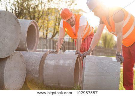 Lifting Heavy Kerbs