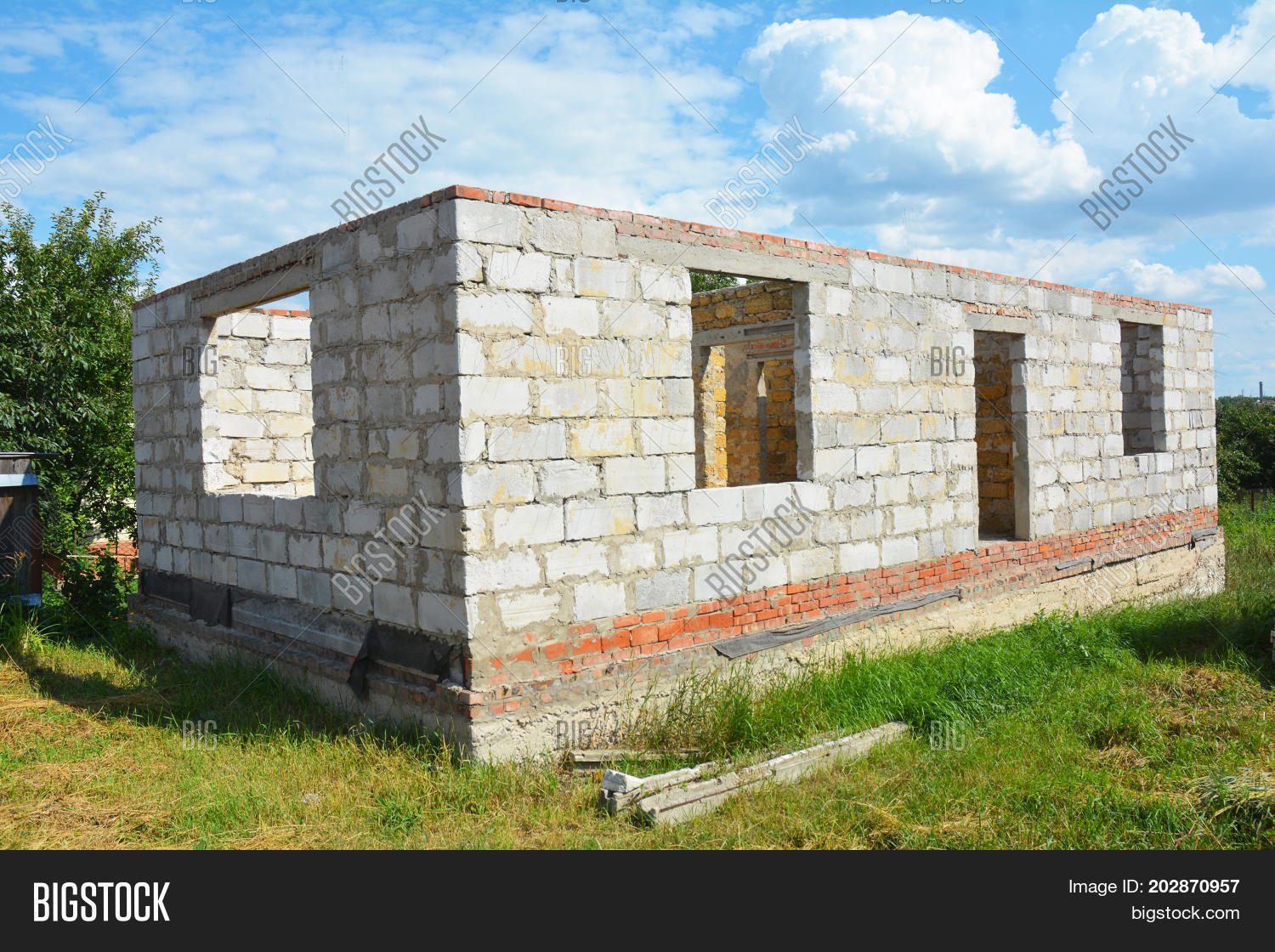 The foundation for the house of aerated concrete: advantages and disadvantages 73