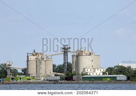 Silos for offloading shipping containers at Toronto Harbor