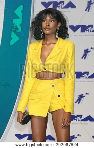 LOS ANGELES - AUG 27:  Diamond White at the MTV Video Music Awards 2017 at The Forum on August 27, 2017 in Inglewood, CA