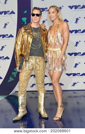 LOS ANGELES - AUG 27:  Jeremy Scott, Jasmine Sanders at the MTV Video Music Awards 2017 at The Forum on August 27, 2017 in Inglewood, CA