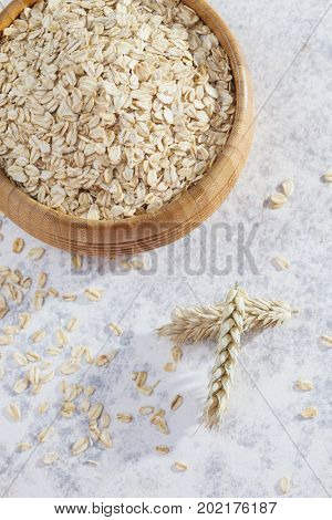 bowl full of oatmeal - diet and breakfast