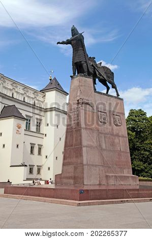 VILNIUS, LITHUANIA - JULY 19, 2015: Bronze monument to Grand Duke Gediminas on the Cathedral Square in the old town of Vilnius, Lithuania.