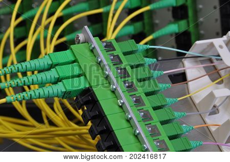 Fiber optic splice cassettes in passive optical networks