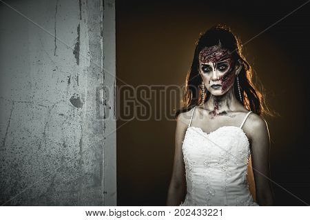 The bride turned into a zombie And staring with huge resentment.