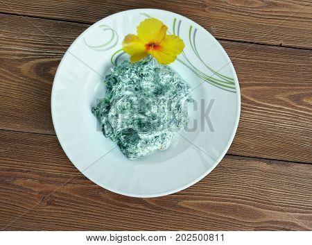 Iranian Yogurt And Spinach Dip