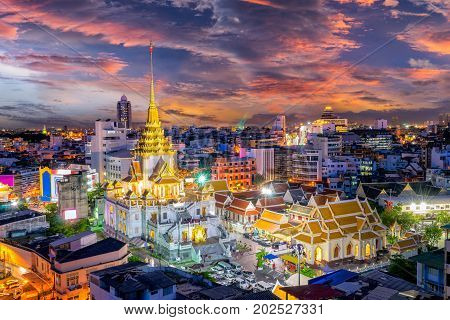 Sunset sence of Wat Traimit Witthayaram WorawihanTemple of the Golden Buddha in Bangkok Thailand. It is one of Bangkok's most beautiful temples and a major tourist . form Day to night