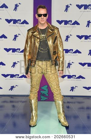 LOS ANGELES - AUG 27:  Jeremy Scott arrives for the MTV Video Music Awards 2017 on August 27, 2017 in Inglewood, CA