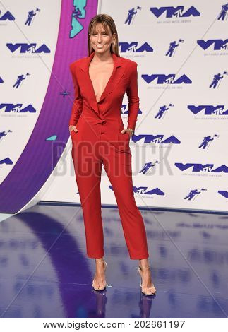 LOS ANGELES - AUG 27:  Renee Bargh arrives for the MTV Video Music Awards 2017 on August 27, 2017 in Inglewood, CA