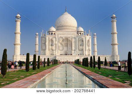 White marble Taj Mahal in India Agra Uttar Pradesh