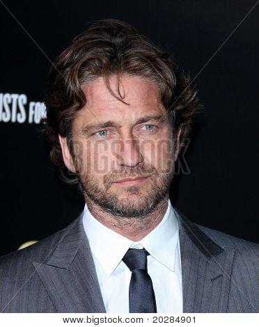 LOS ANGELES - JAN 13: Gerard Butler arrives to Bvlgari Hosts Funraiser for Save The Children  on January 13, 2011 in Los Angeles, CA