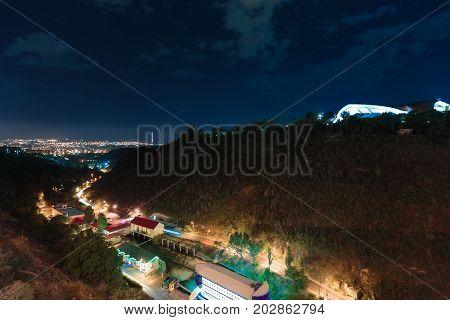 Night view from the Big Hrazdan Bridge, Yerevan, Armenia. The Kievyan Bridge