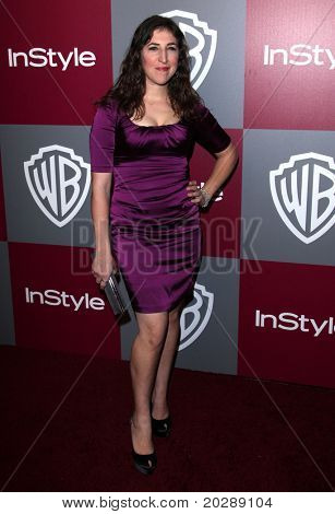 LOS ANGELES - JAN 16:  Mayim Bialik arrives to the 12th Annual WB-In Style Golden Globe After Party  on January 16, 2011 in Beverly Hills CA