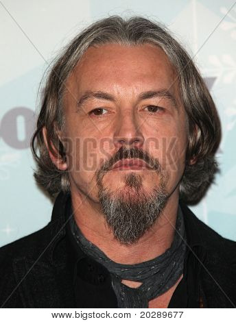 PASADENA, CA - JAN 11:  Tommy Flanagan arrives at the FOX All-Star Party on January 11, 2011 in Pasadena, CA